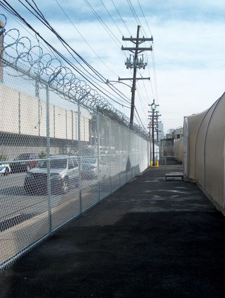 10' Chain link with Barbed & Razor Wire