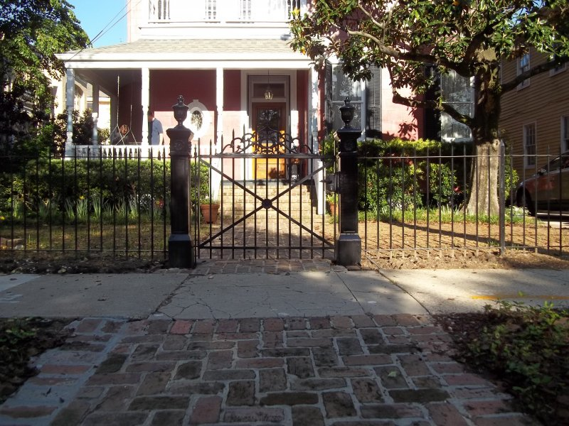 Custom post & walk gate